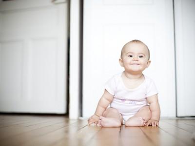 Photographe bébé colombes - Margot dans sa nouvelle chambre!